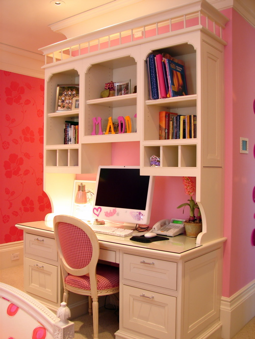 quarto laranja rosa Decoração alegre e divertida para o quarto de uma adolescente