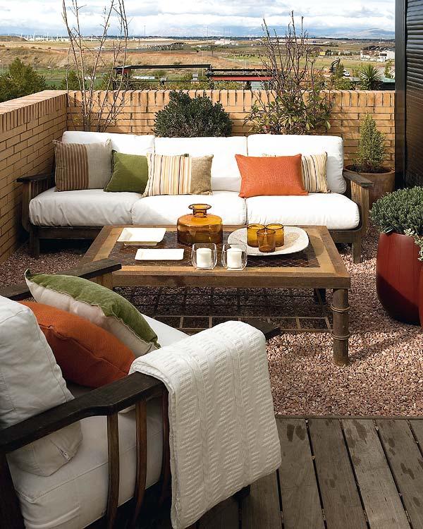 patio cerca muro Dicas de decoração para um pequeno pátio