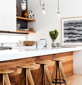 Cozinha prática bem decorada