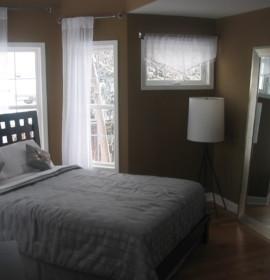 6 maneiras de maximizar o espaço num quarto pequeno